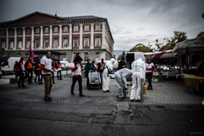 déambulation avec pulvérisateurs dans Chambéry