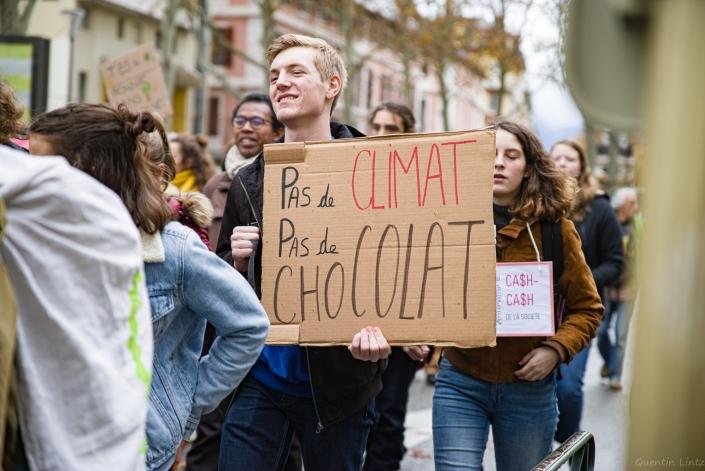 """pancarte """"pas d'climat, pas d'chocolat"""""""