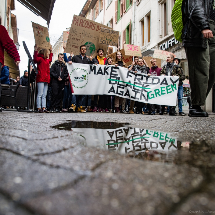reflet de la banderole YFC bloc friday