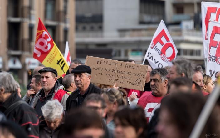 pancarte sur les retraites