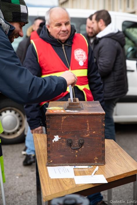 vote pour la prolongation de la grève des cheminots