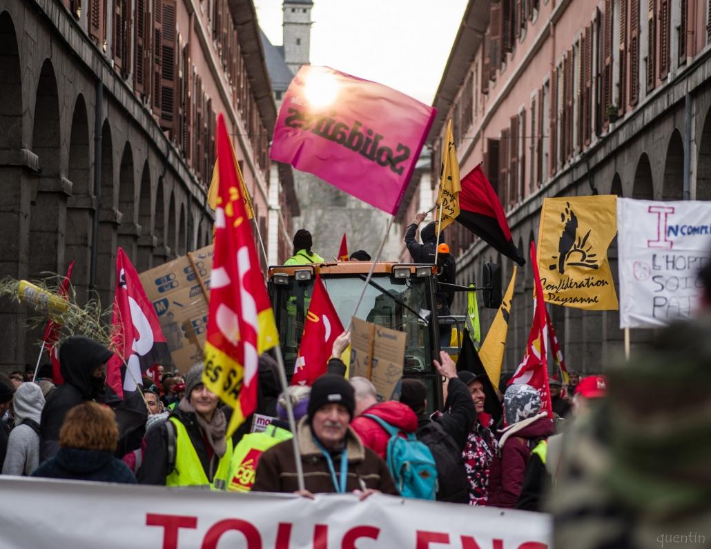 rue de boigne manifestation contre la réforme des retraites 2020