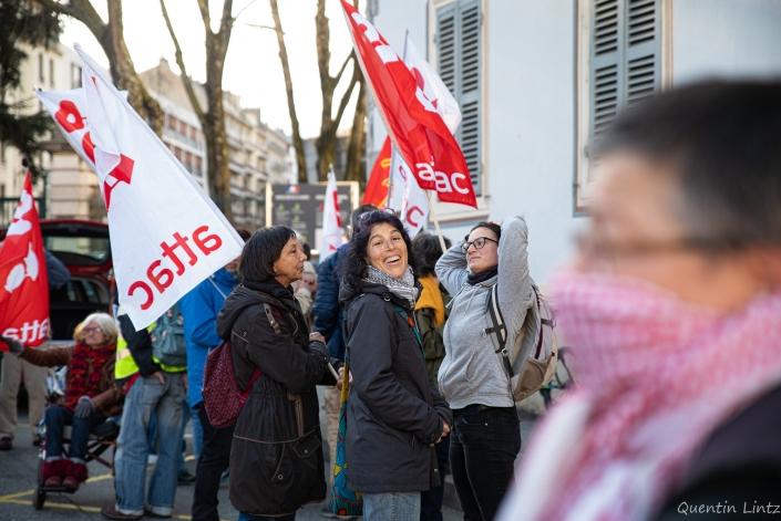 joie dans la manifestation contre les GAV