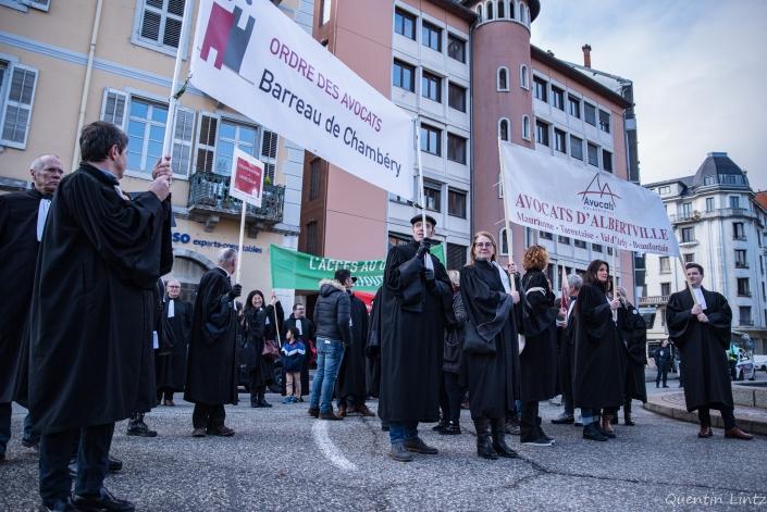 entrée des avocats dans la manifestation
