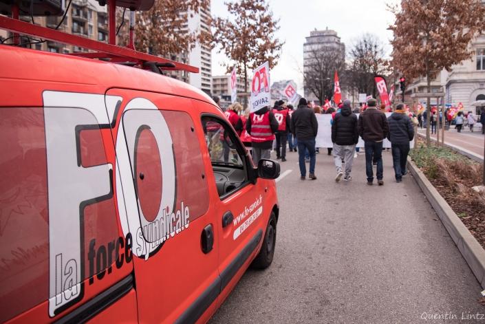 voiture FO en manifestation