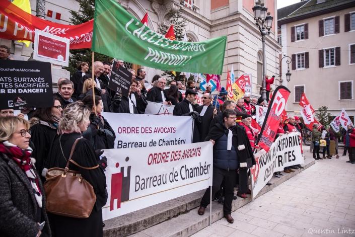 avocats devant la mairie