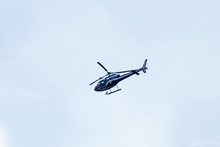 hélicoptère de la genmerderie en surveillance