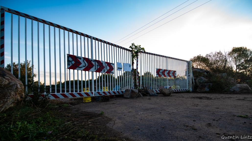 resistance et sabotage sur le portail d'entrée