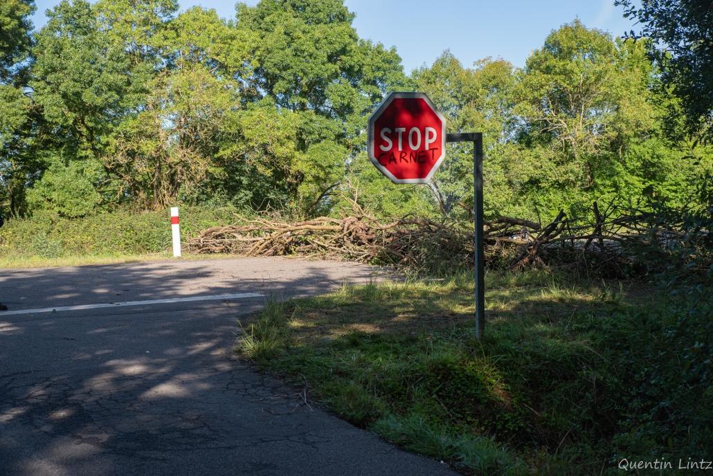 """panneau stop """"Carnet"""""""
