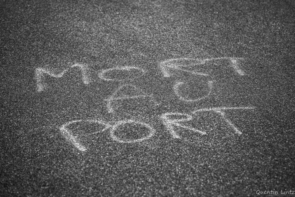 """tag sur la route """"mort au port"""""""